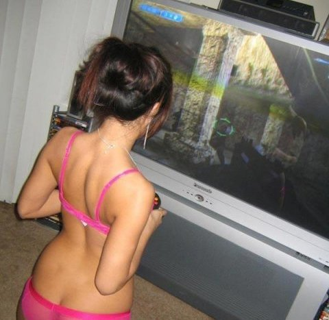 girls playing video games Sexy