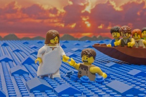 jesus_walks_on_water_900x600