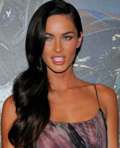 Megan_Fox_promoting_Transformers_in_Paris